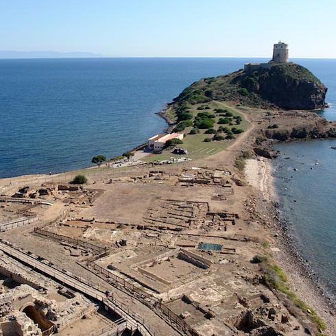 Archaeologists in the field. Rediscovering Nora and the peoples of the Mediterranean
