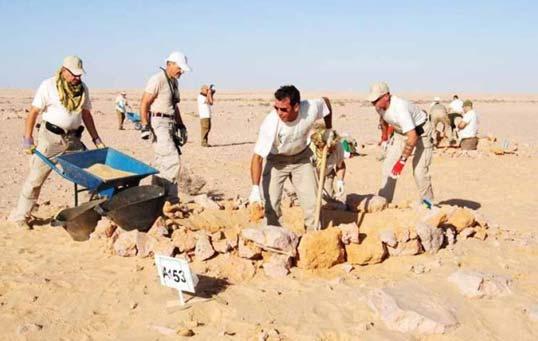 scavi nel sito di El Alamein in Egitto
