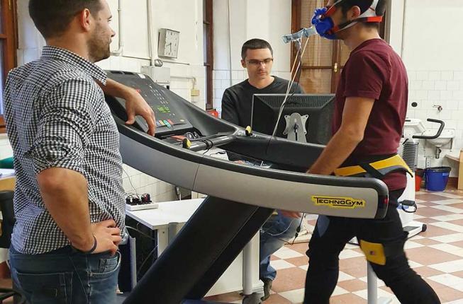 Collegamento a Un esoscheletro passivo per migliorare la camminata