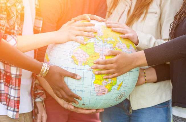 Collegamento a Un mondo di possibilitàcon Erasmus+ Studio