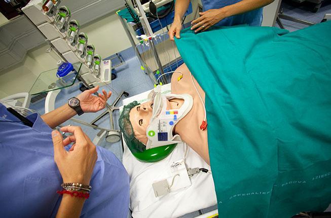 """Collegamento a Simulazione medica e pazienti """"virtuali"""": accreditamento europeo a Padova"""
