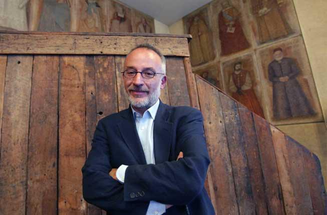 """Collegamento a """"Plant Revolution"""" di Stefano Mancuso vince il Premio Galileo 2018"""