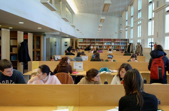 Collegamento a Tasse universitarie: più opportunità per i redditi bassi
