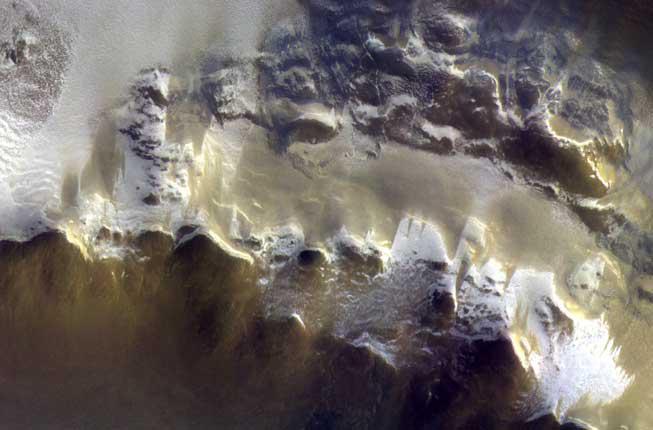 Collegamento a L'occhio di Cassis regala le primi immagini di Marte